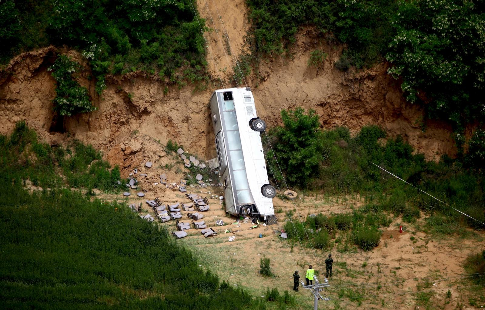 Bus in Mexcio falls in ravine