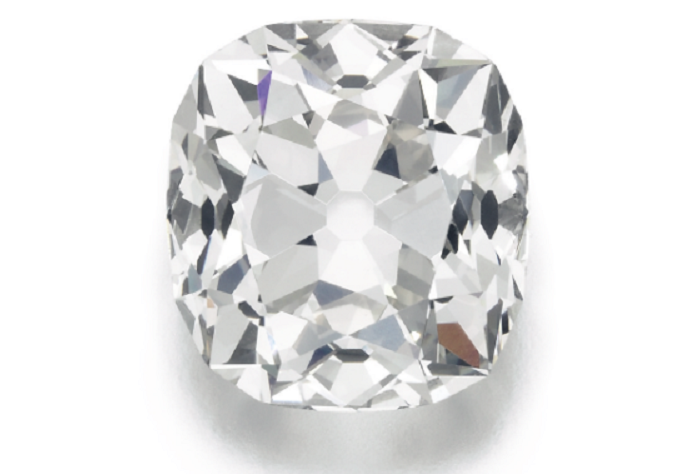 £10 diamond ring