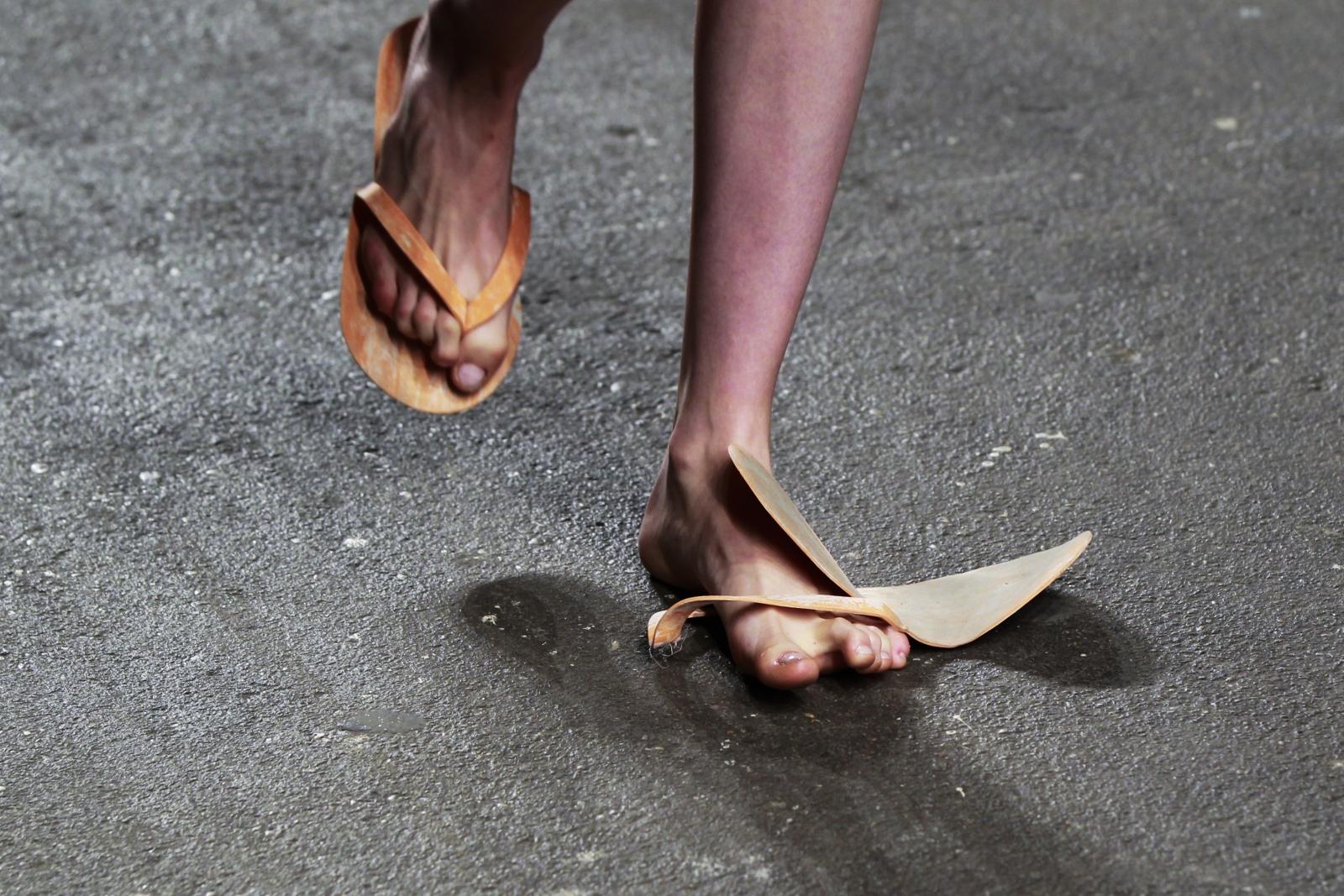 María Lorena Ramírez won 50km race wearing sandals