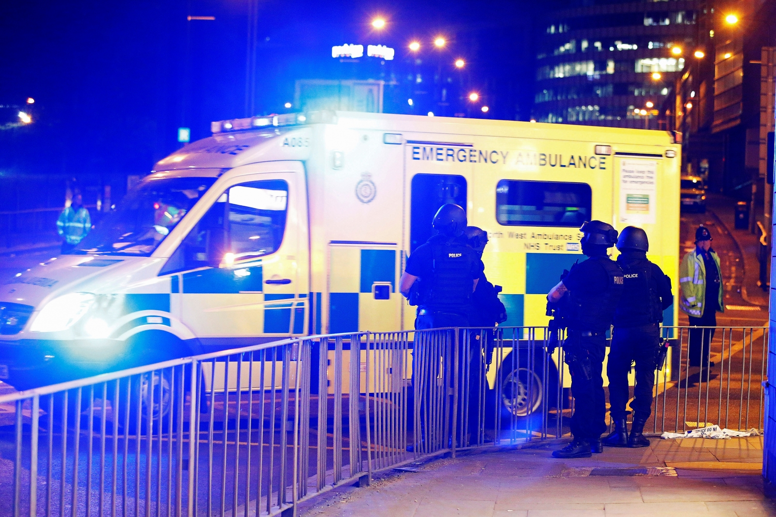 blast-at-ariana-grande-concert-in-england-kills-19-what-we-know-so-far
