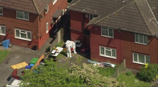 police-search-houses-in-manchester-terror-raids