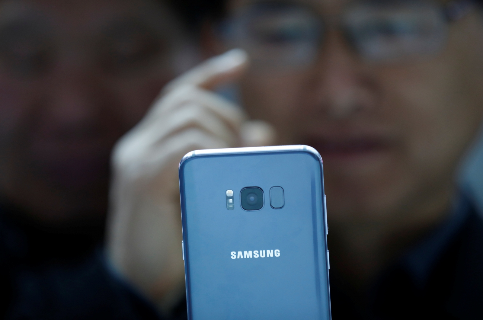 Galaxy S8 iris recognition system hacked