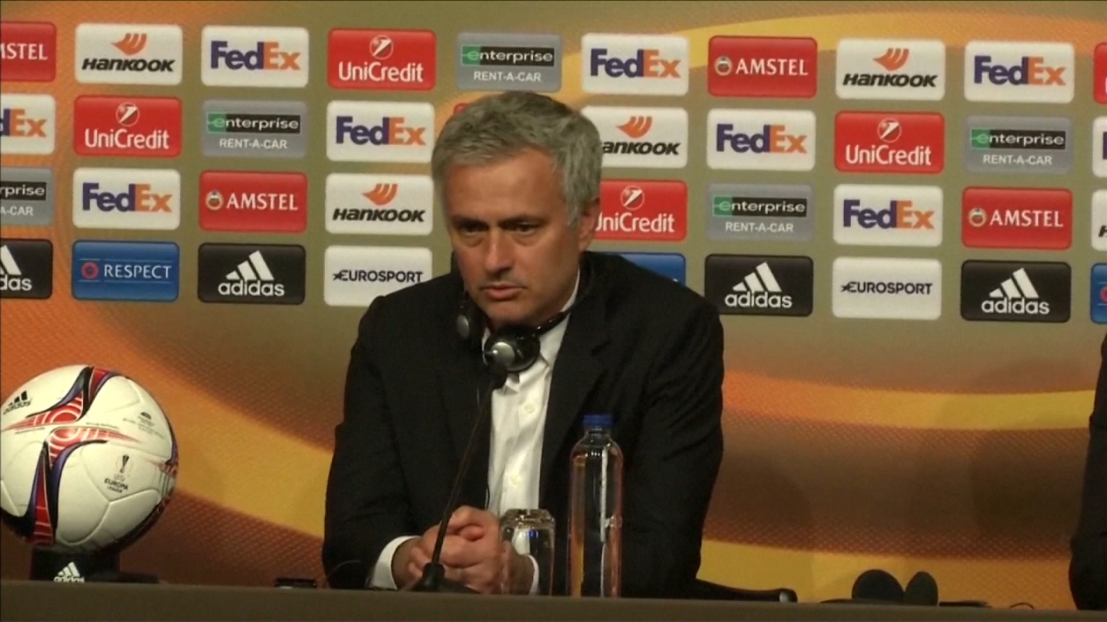 jose-mourinho-and-ander-herrera-speak-out-about-manchester-attack-after-europa-league-triumph