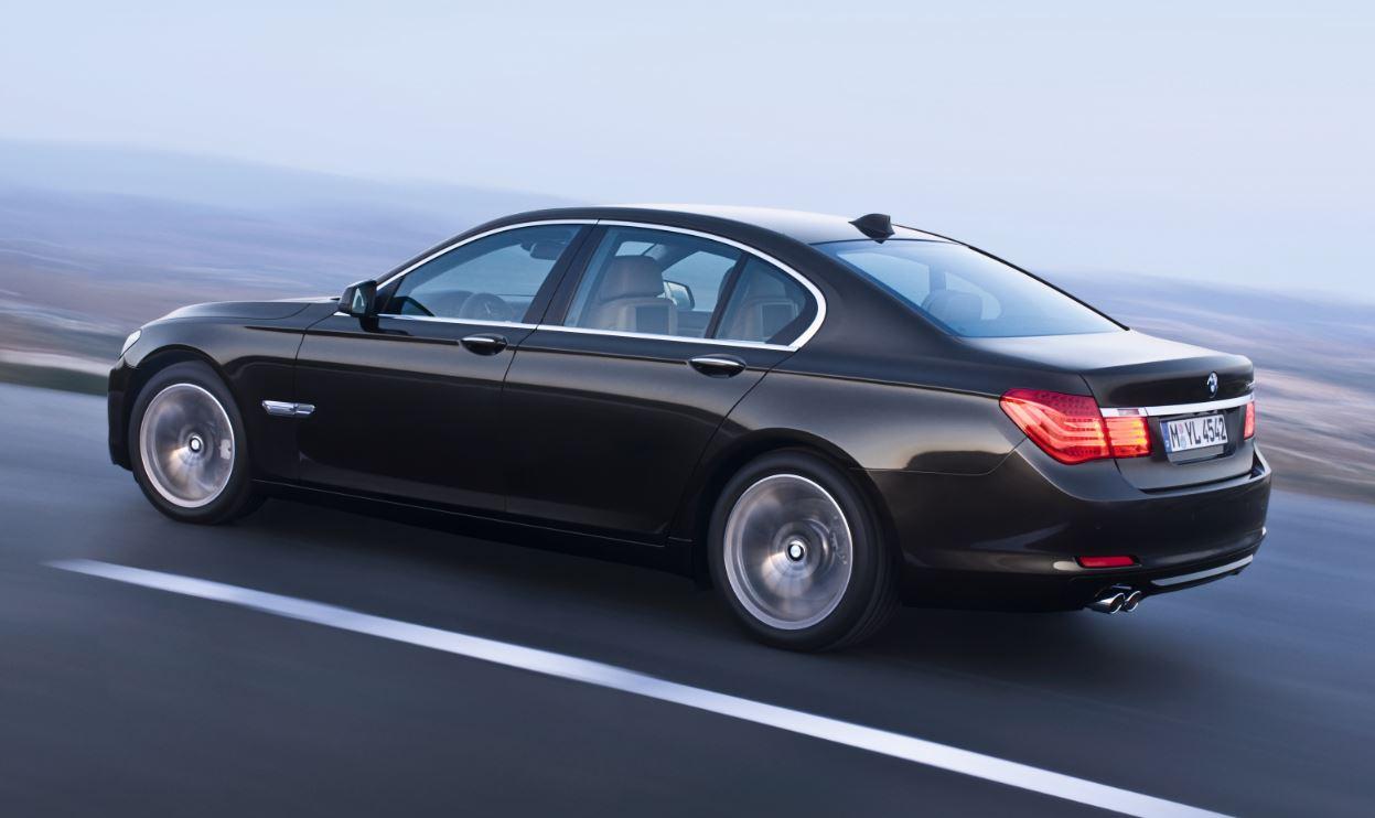 BMW 7-series recall door fault