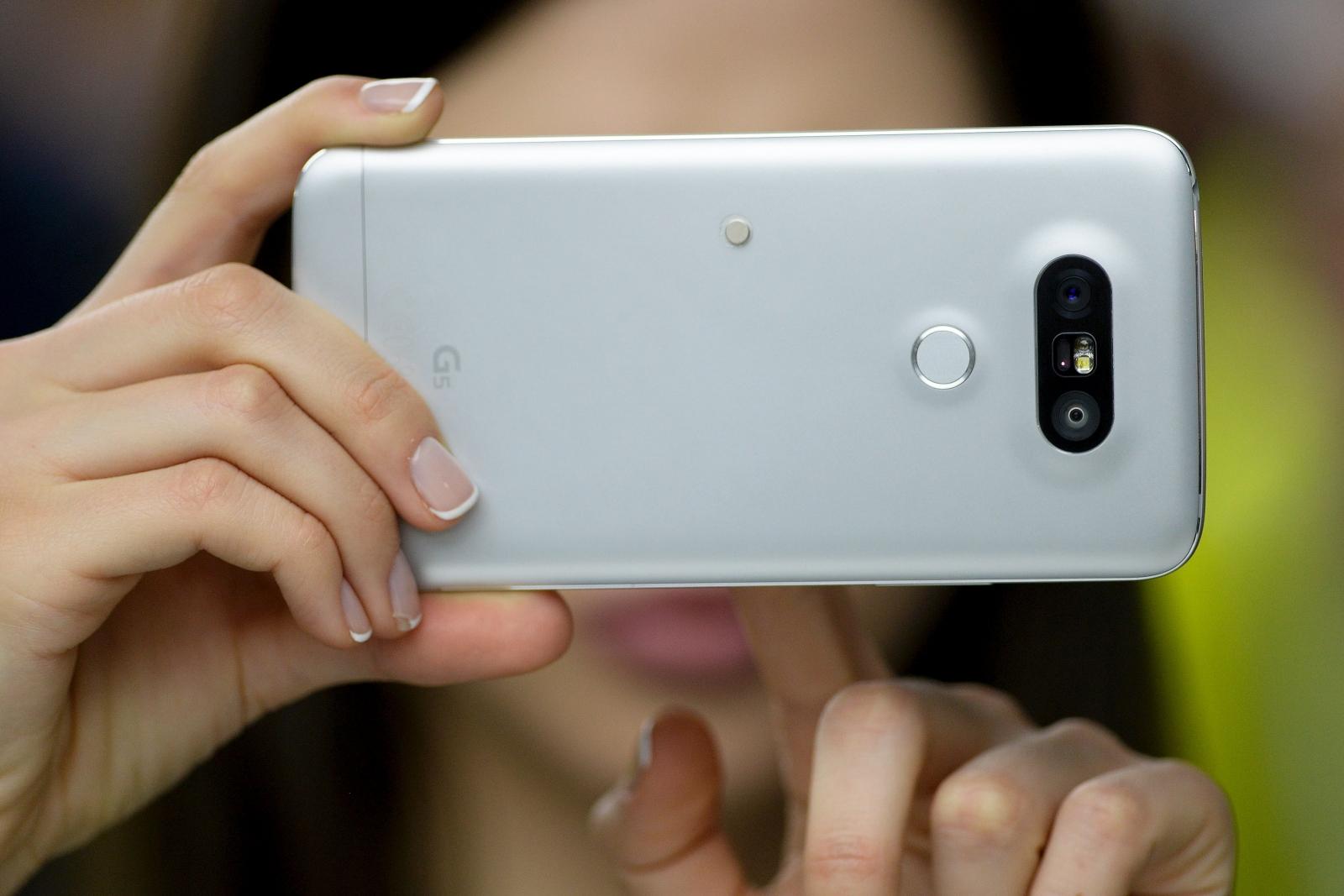 LG G6 camera app ported to G5