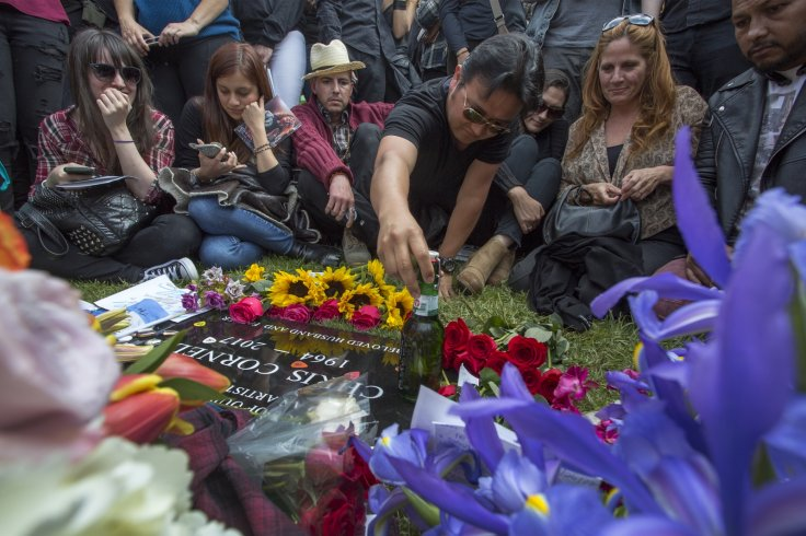 Fans pay respect to Chris Cornell