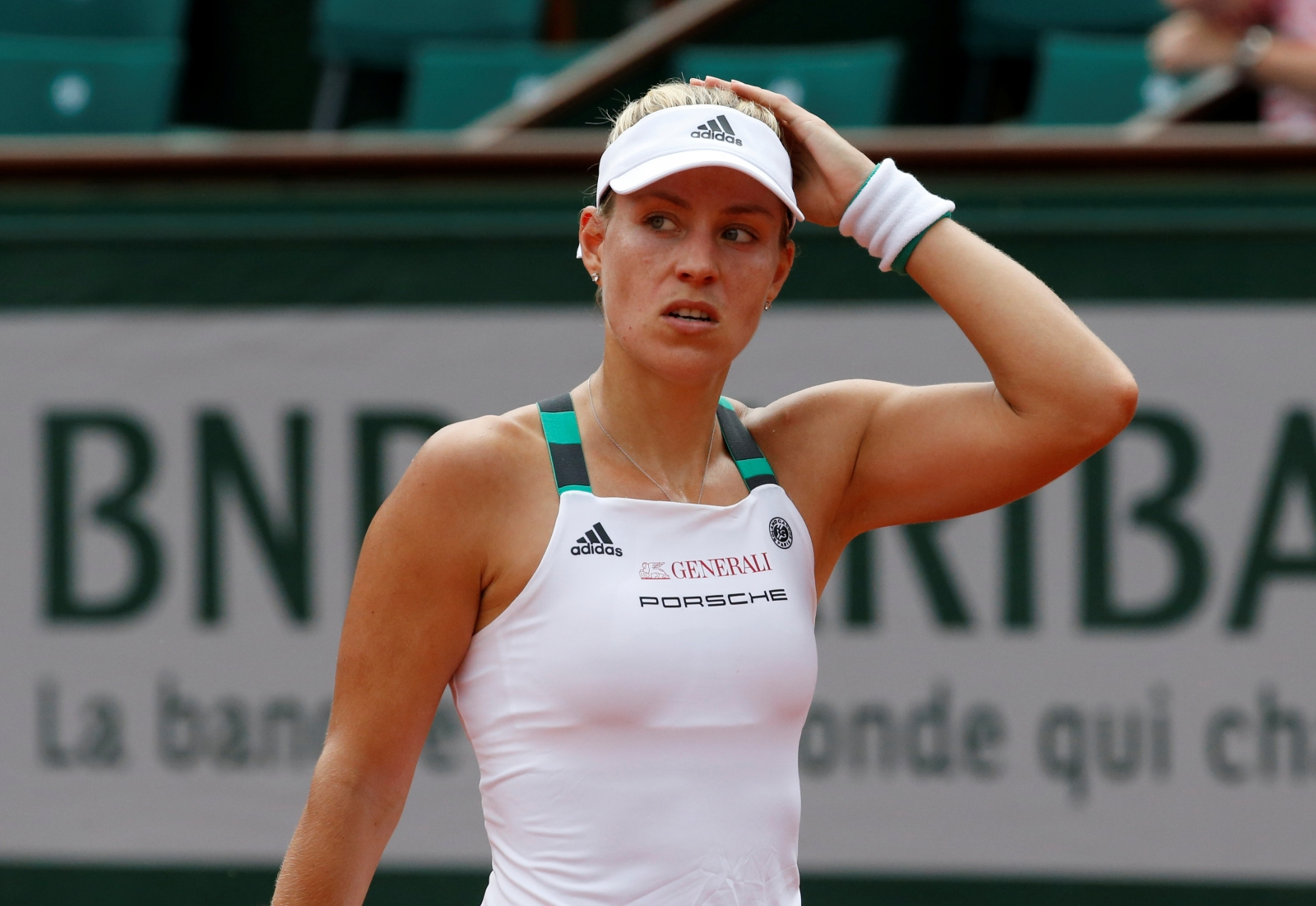 Kerber makes unwanted history with immediate Roland Garros exit