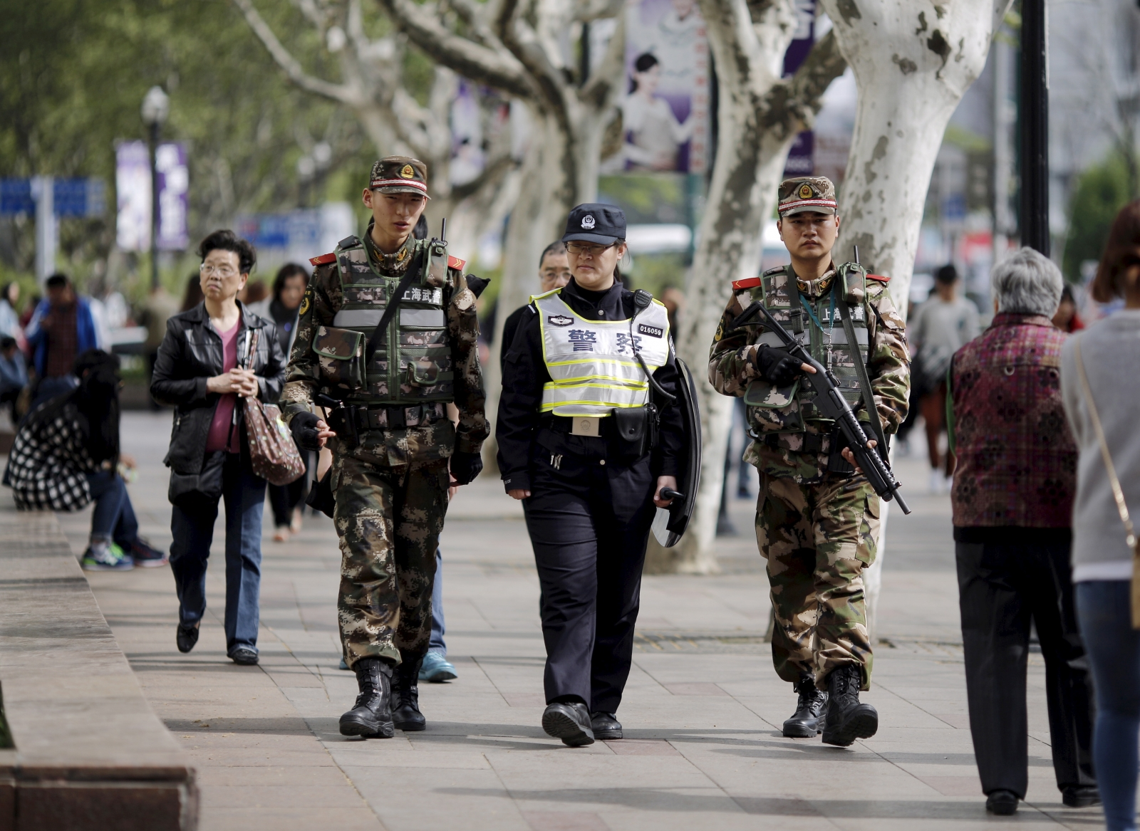Knife attacker kills 2, wounds 18 in China