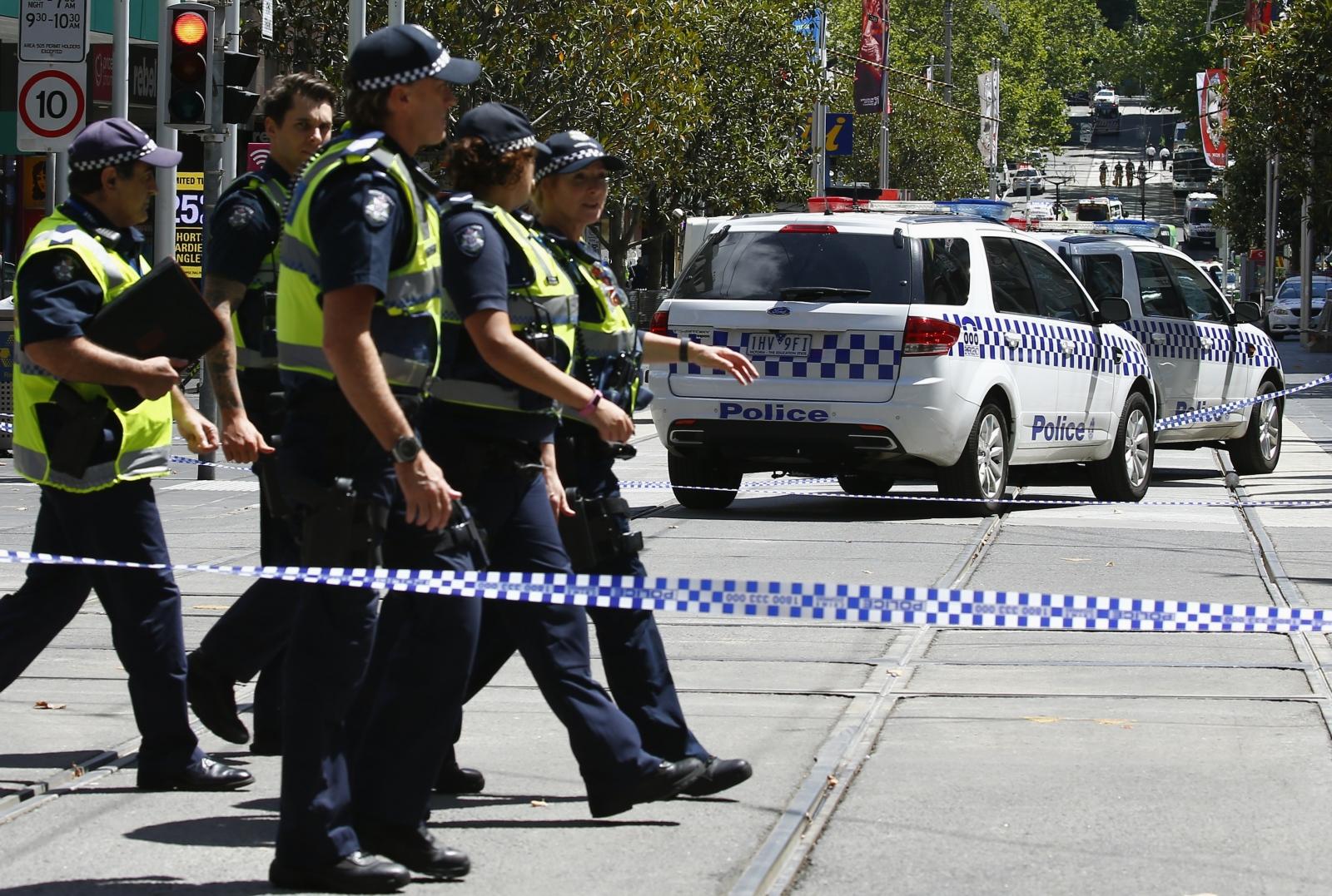 Police hunt armed man in Lockyer Valley