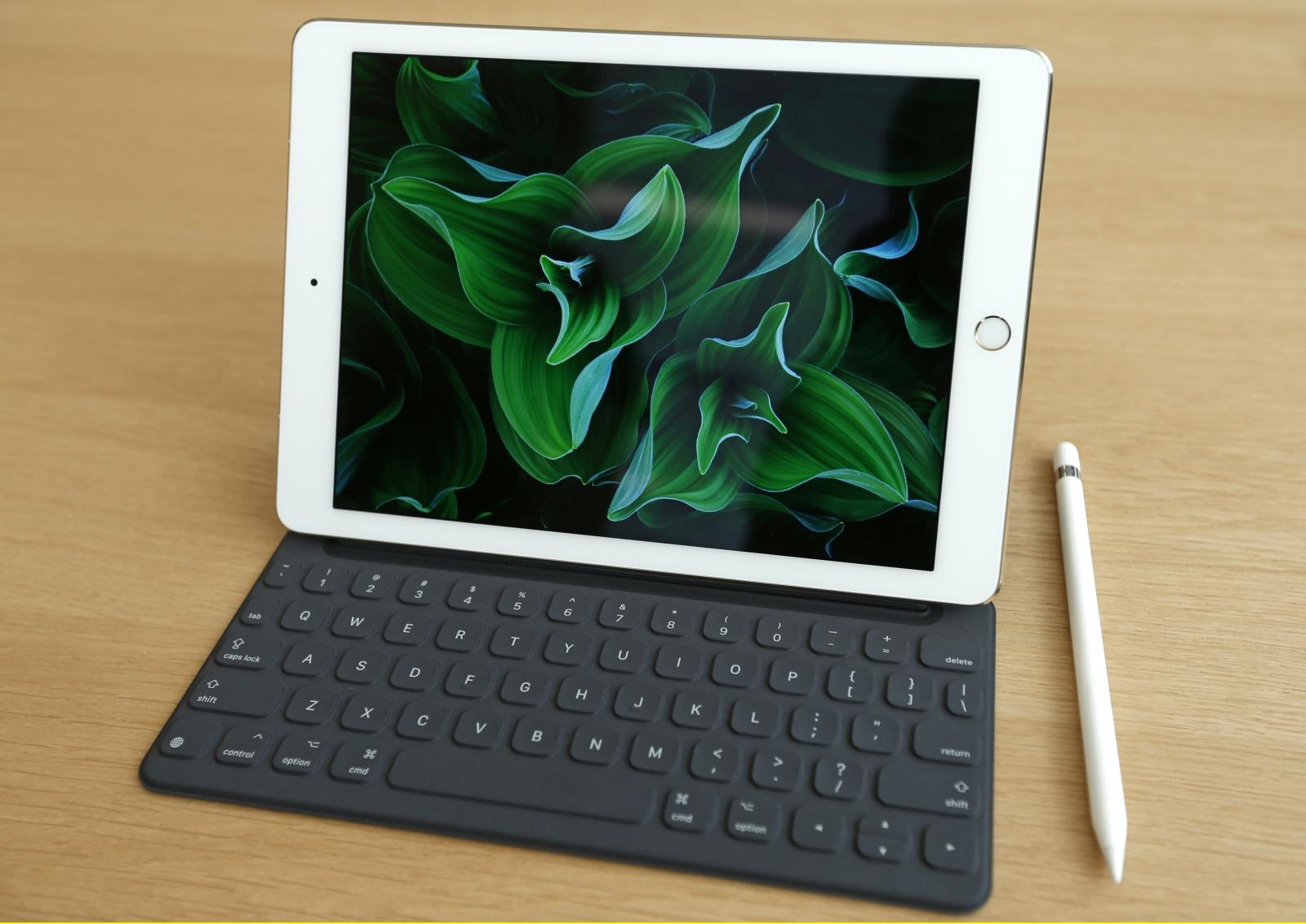 Apple iPad Pro with Apple Pencil