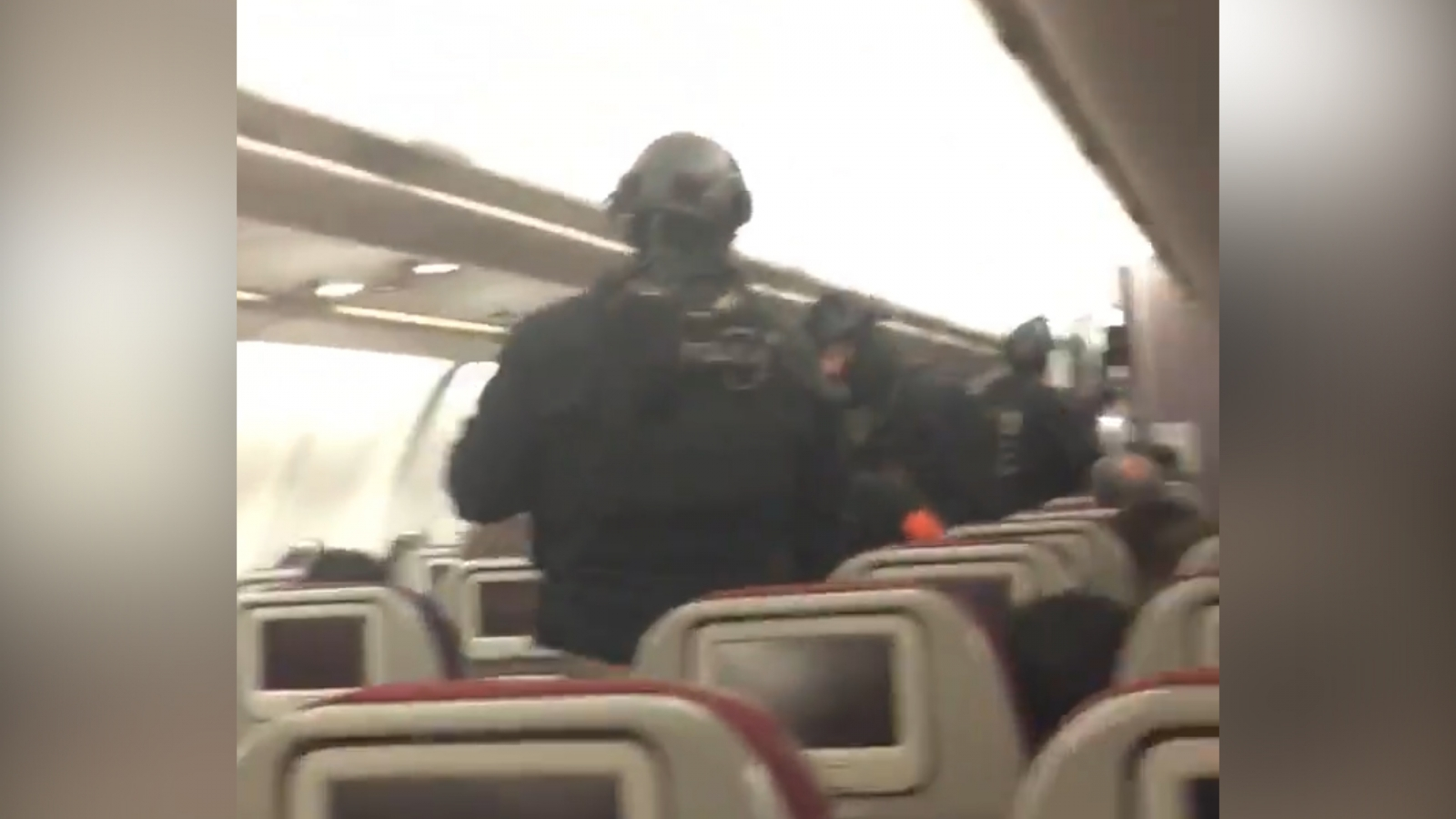 armed-police-storm-malaysia-airlines-plane-after-bomb-threat