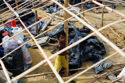 Rohingya refugee camp Bangladesh cyclone Mora