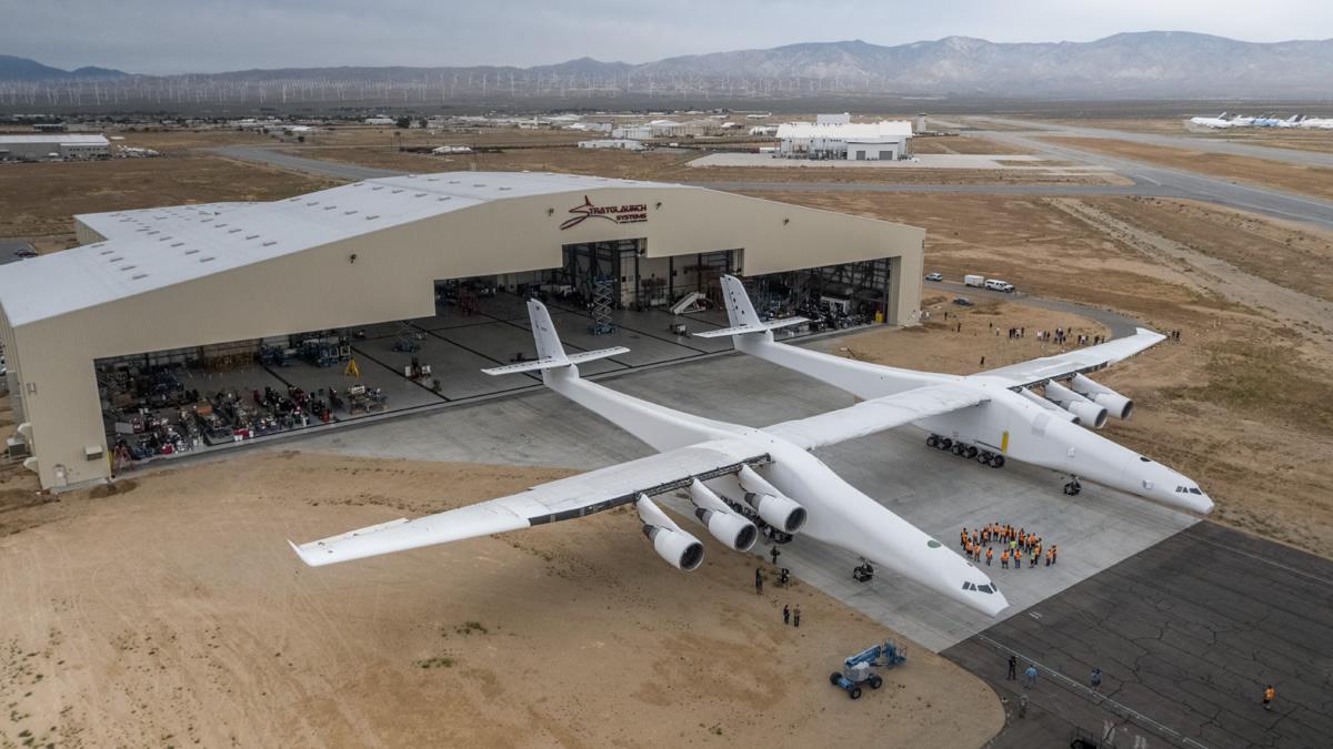Stratolaunch airplane