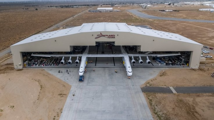 World's biggest plane Stratolaunch