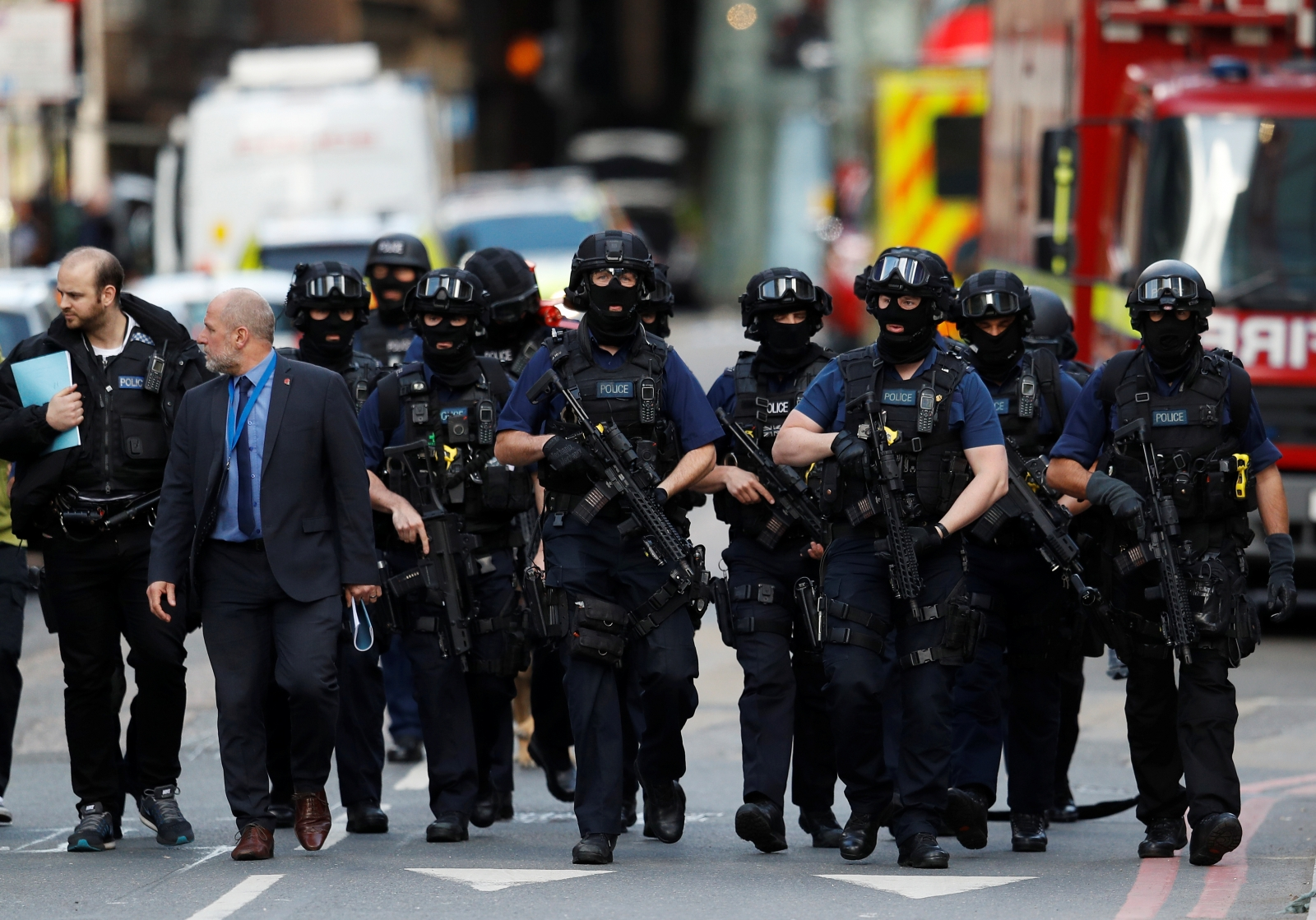 Snap poll finds 75% want British police routinely armed