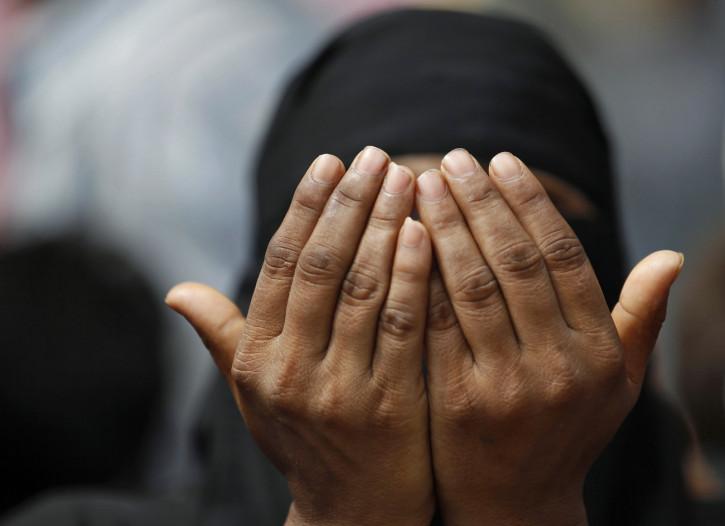 Pakistan man kills 2 teenage daughters in the name of \'honour\'