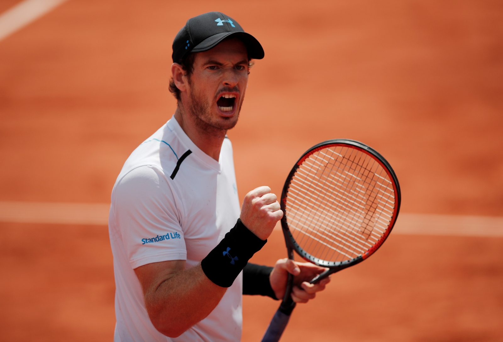 Andy Murray reaches French Open quarter-finals with straightforward win ...