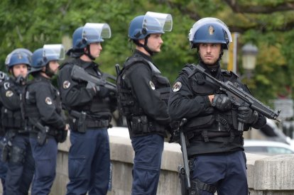 Notre Dame Paris Police France