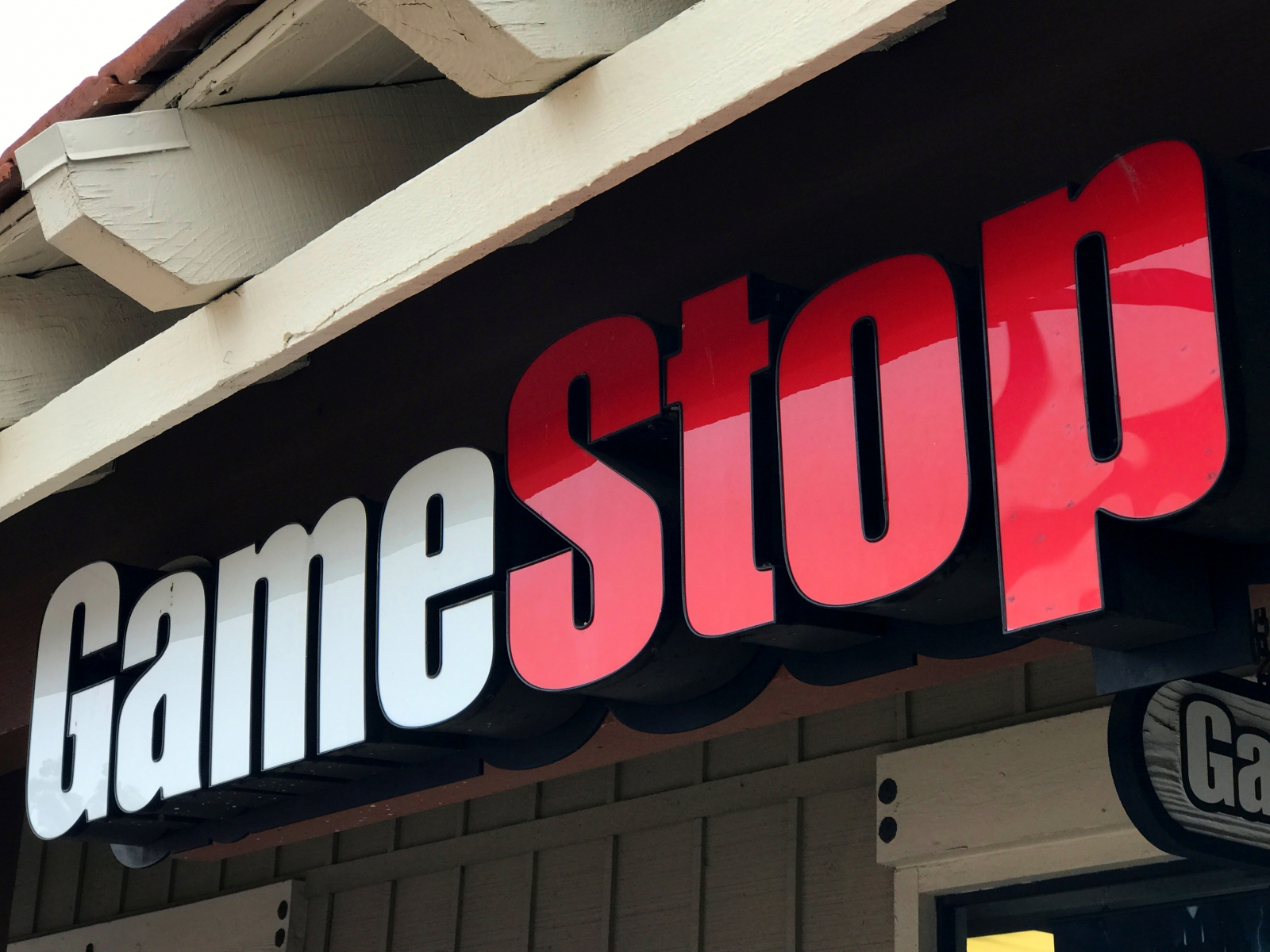 GameStop employees speak out against management and other workplace woes