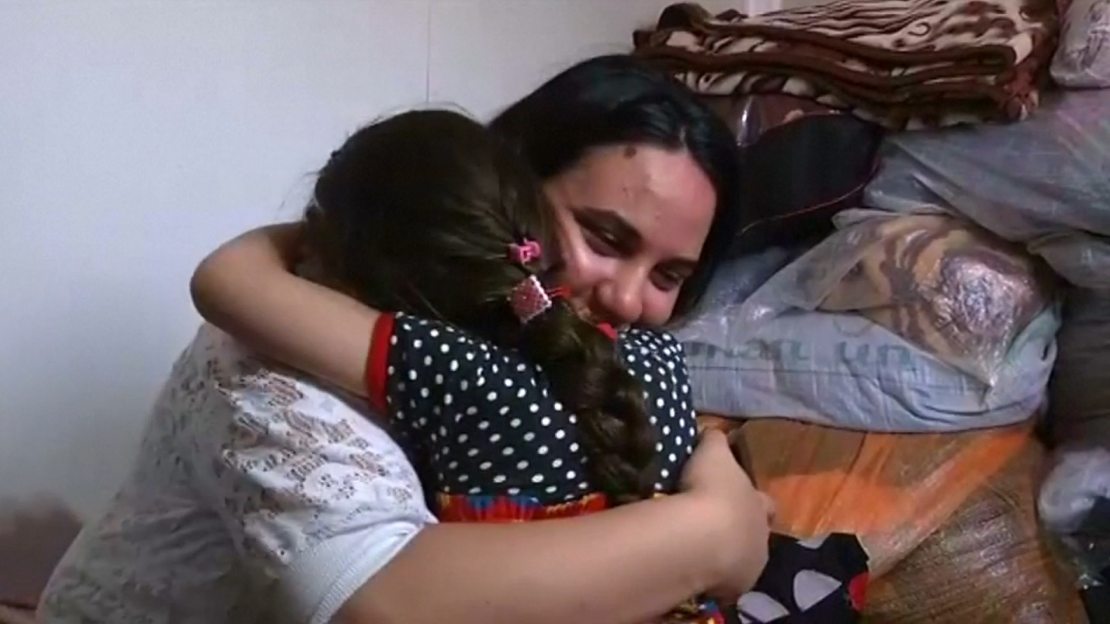 iraqi-girl-is-reunited-with-her-family-after-three-years-of-isis-kidnap