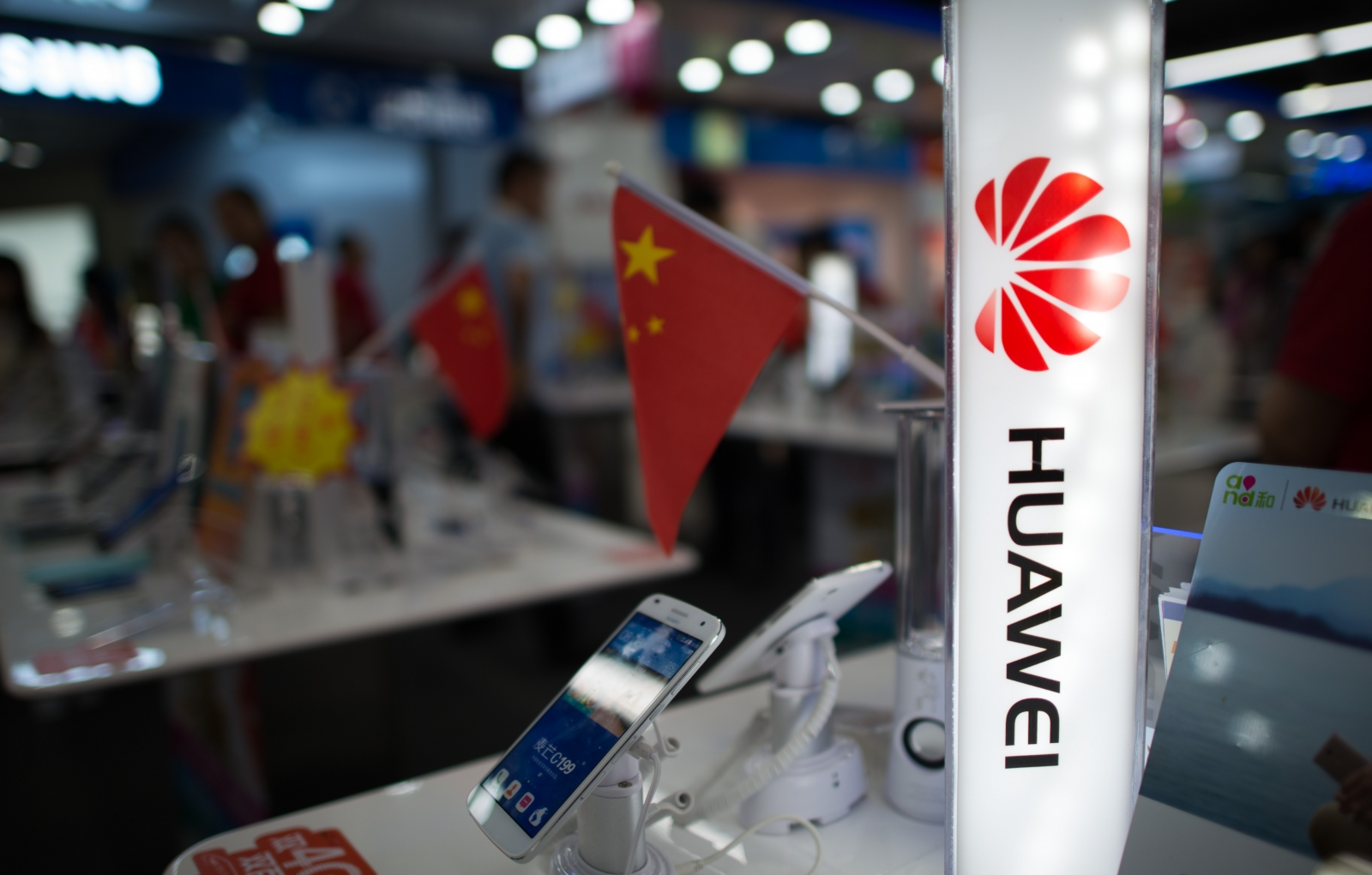 Huawei smartphone sales ban in UK