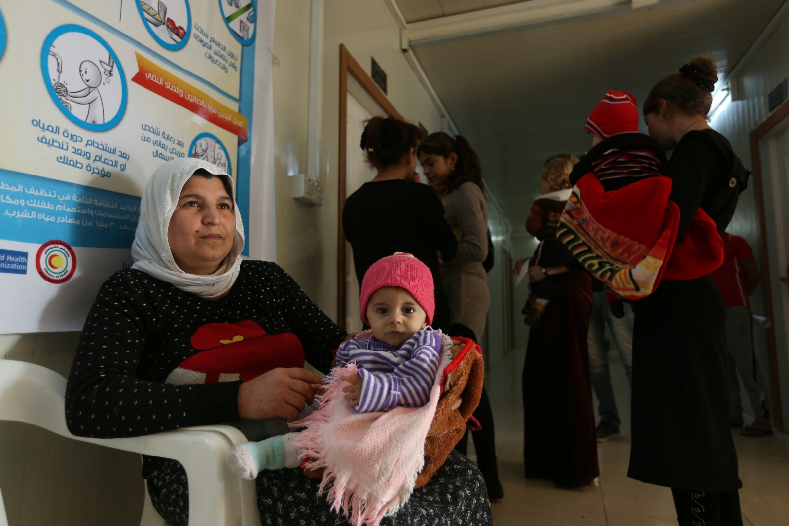 2 dead and Hundreds fallen ill with food poisoning in Mosul displaced camp