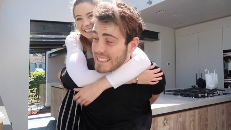 when did alfie deyes and zoe sugg start dating