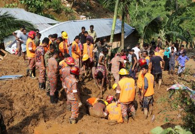 Bangladesh landslide mudslide weather floods monsoon