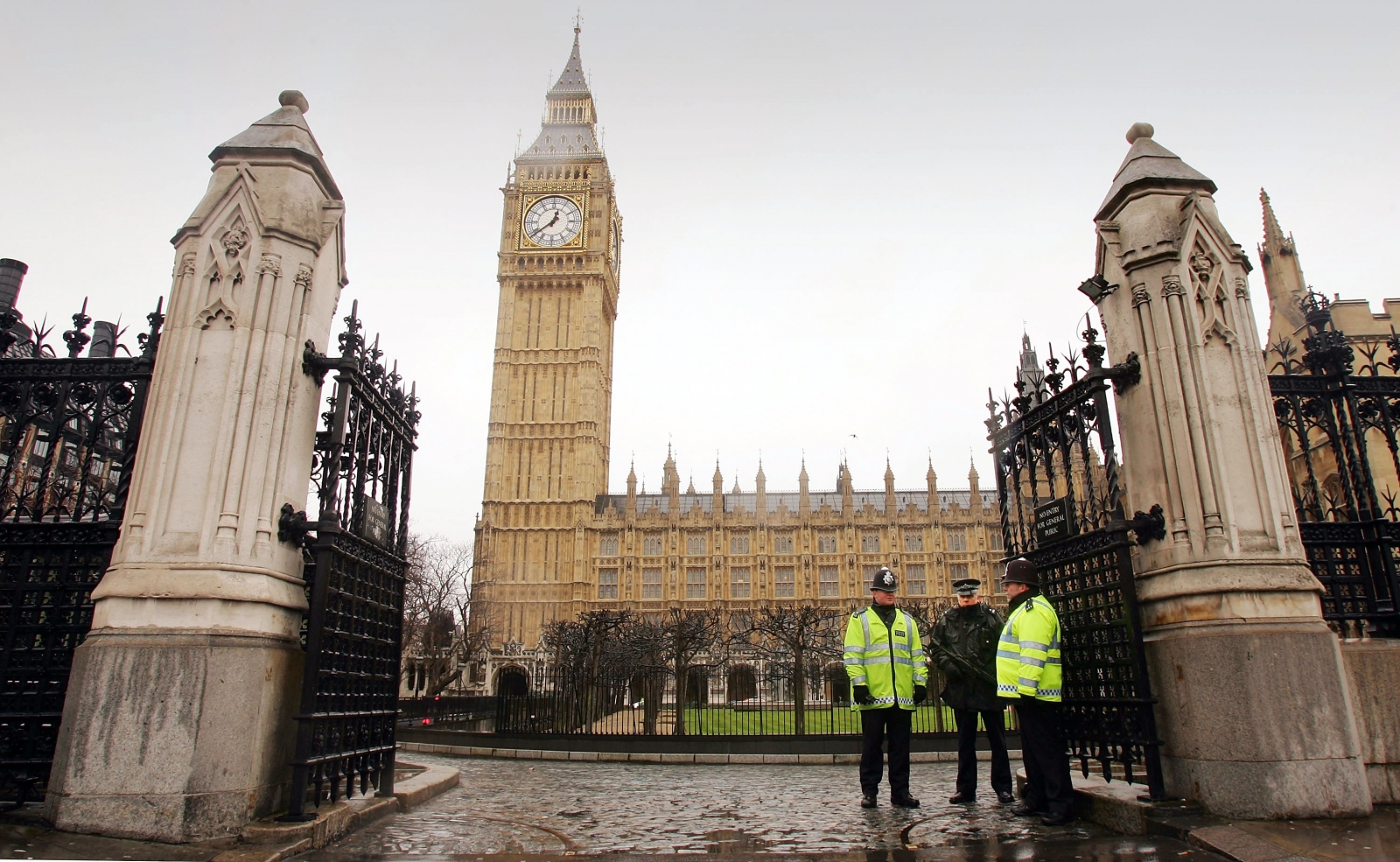 Police Around The Houses Of Parliament