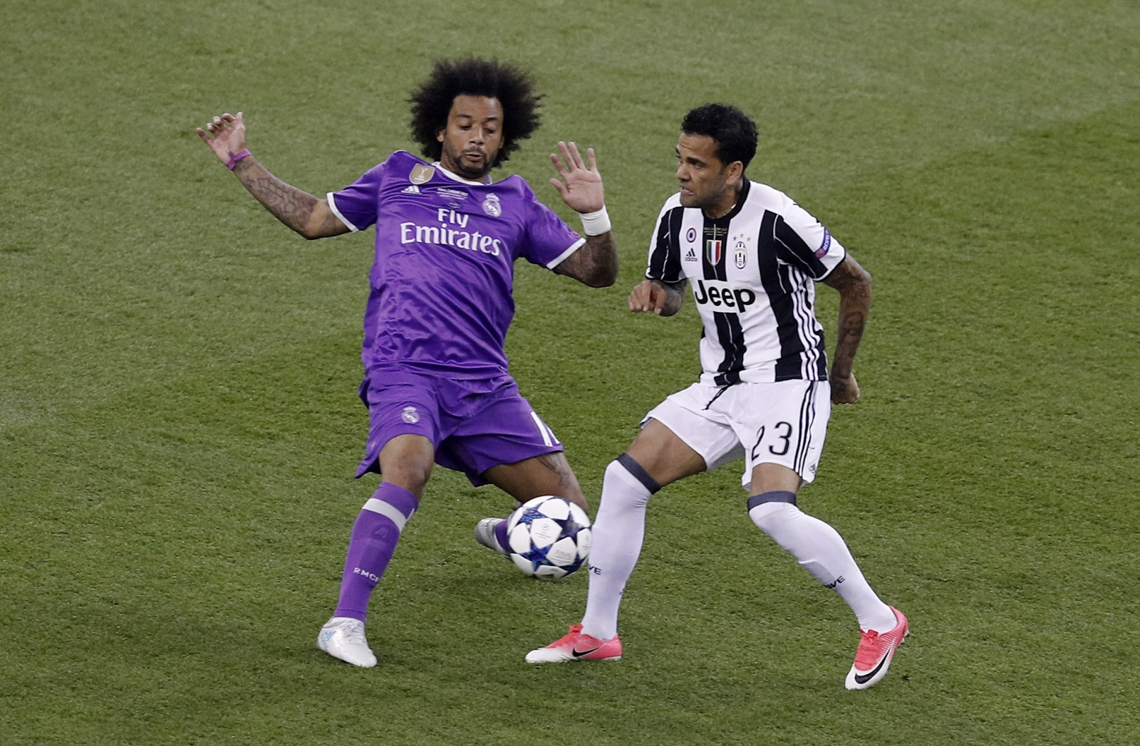 Alves Added Yet More Silverware To His Bulging Trophy Cabinet With Juventus Reuters