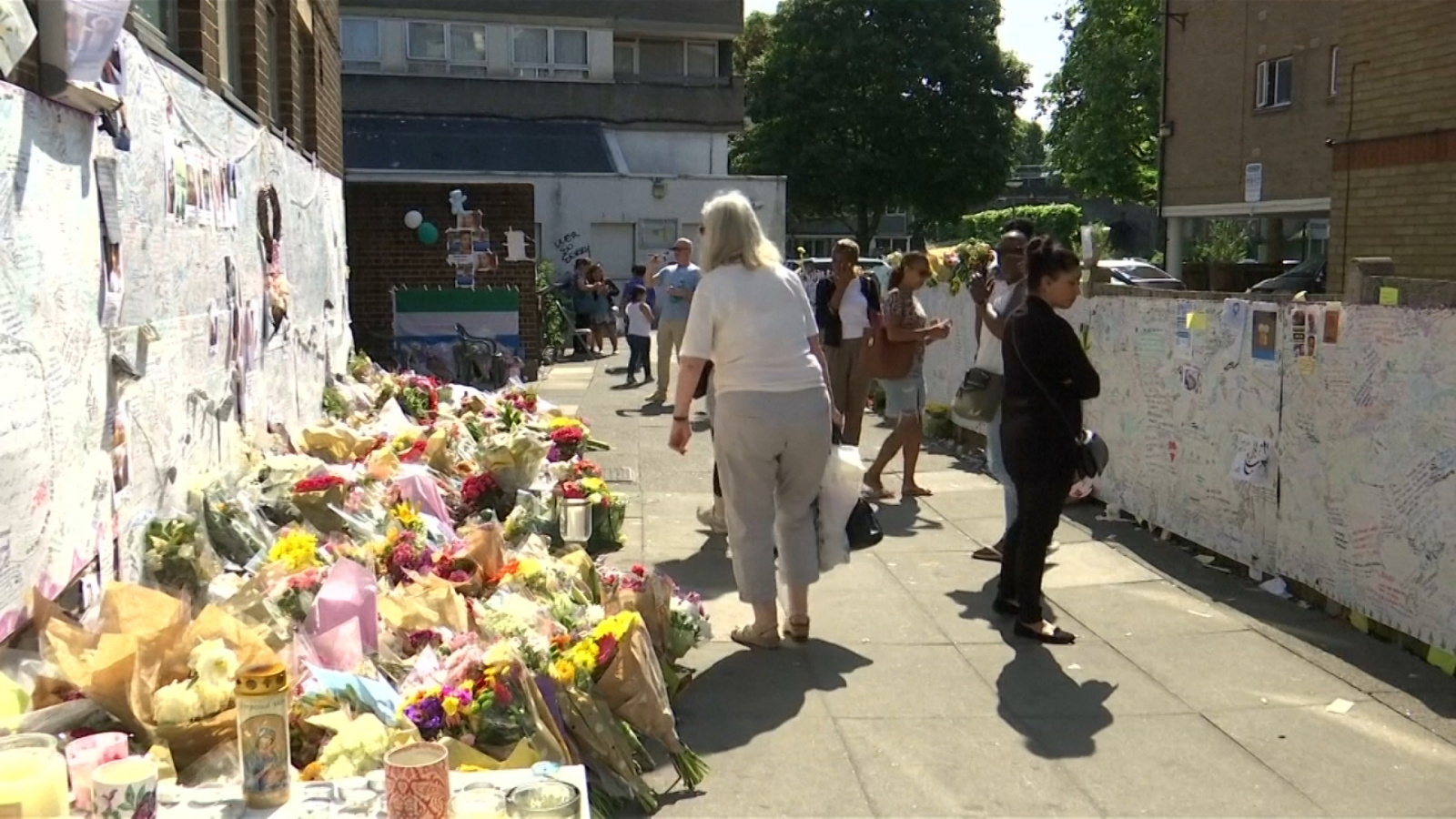 community-gathers-for-tribute-to-grenfell-tower-victims