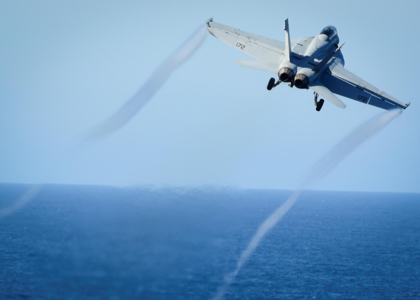 US F/A-18