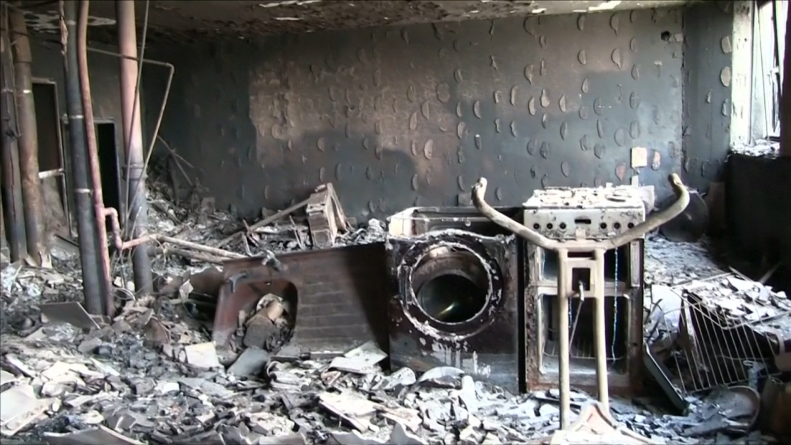 haunting-footage-shows-inside-of-grenfell-tower-destroyed-by-fire