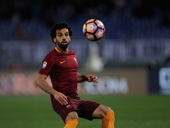 Salah flies in for Liverpool medicals