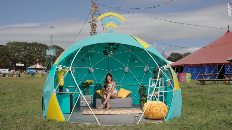 4gee-smart-tent-at-glastonbury-2017