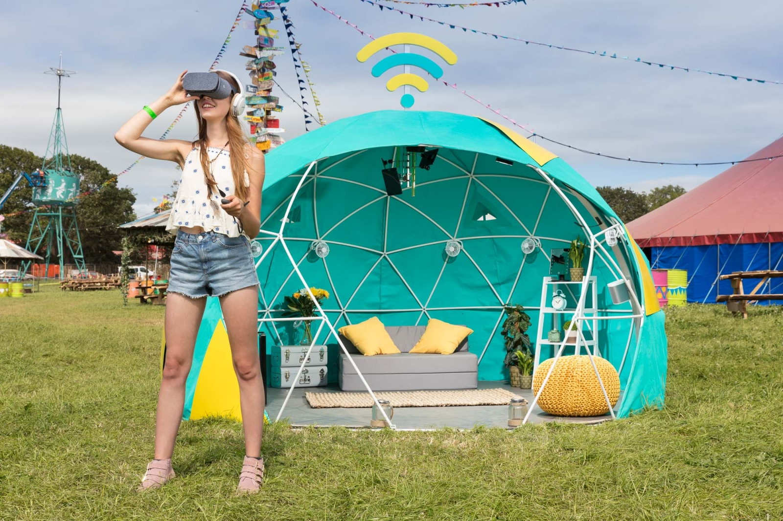 4GEE Smart Tent Glastonbury virtual reality