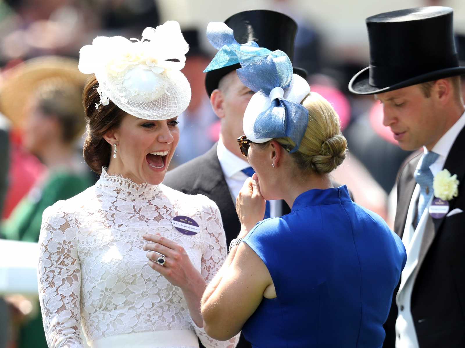 Royal Ascot: Racegoers remove jackets due to 'very hot' weather