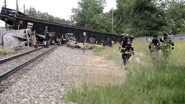 freight-train-derails-in-boulder-colorado