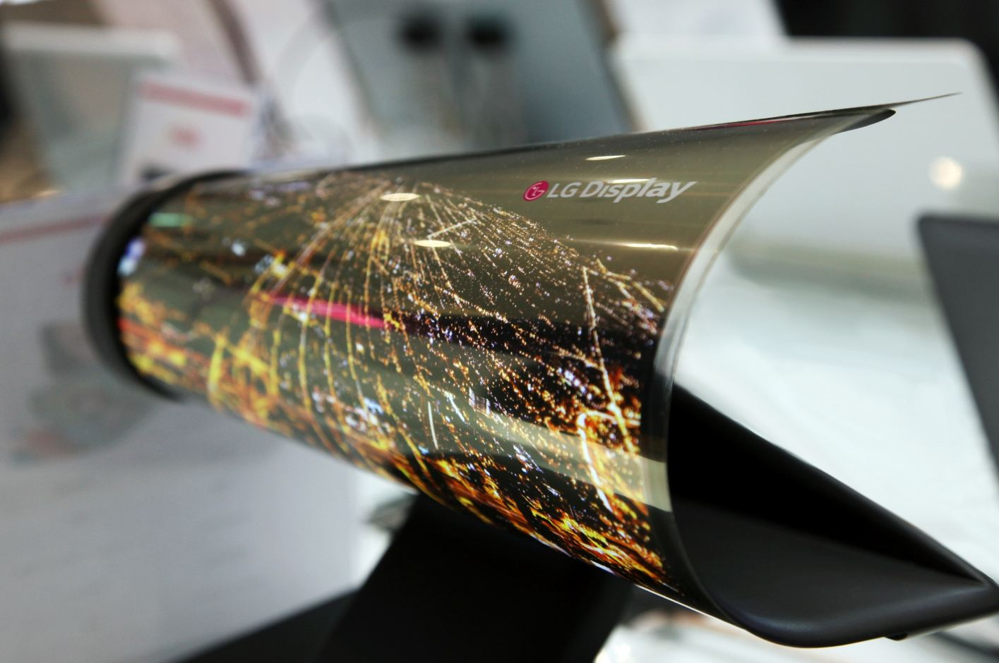 LG unveils 77in flexible, transparent display