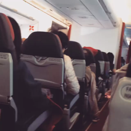 malaysia-bound-flight-shakes-like-a-washing-machine-following-engine-failure