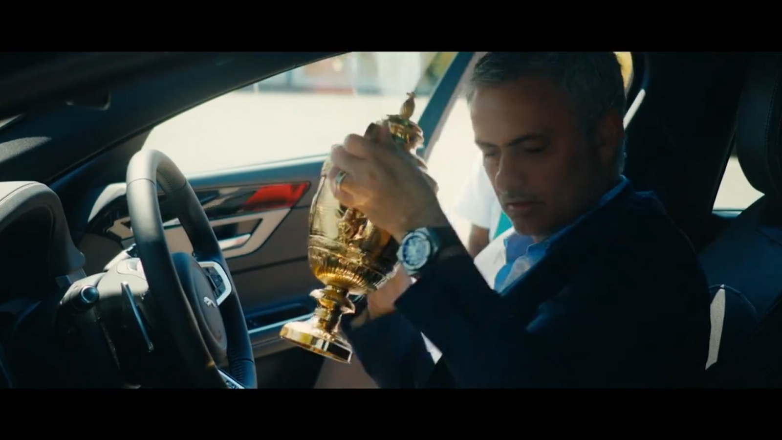 Jose Mourinho steals Andy Murray's Wimbledon trophy