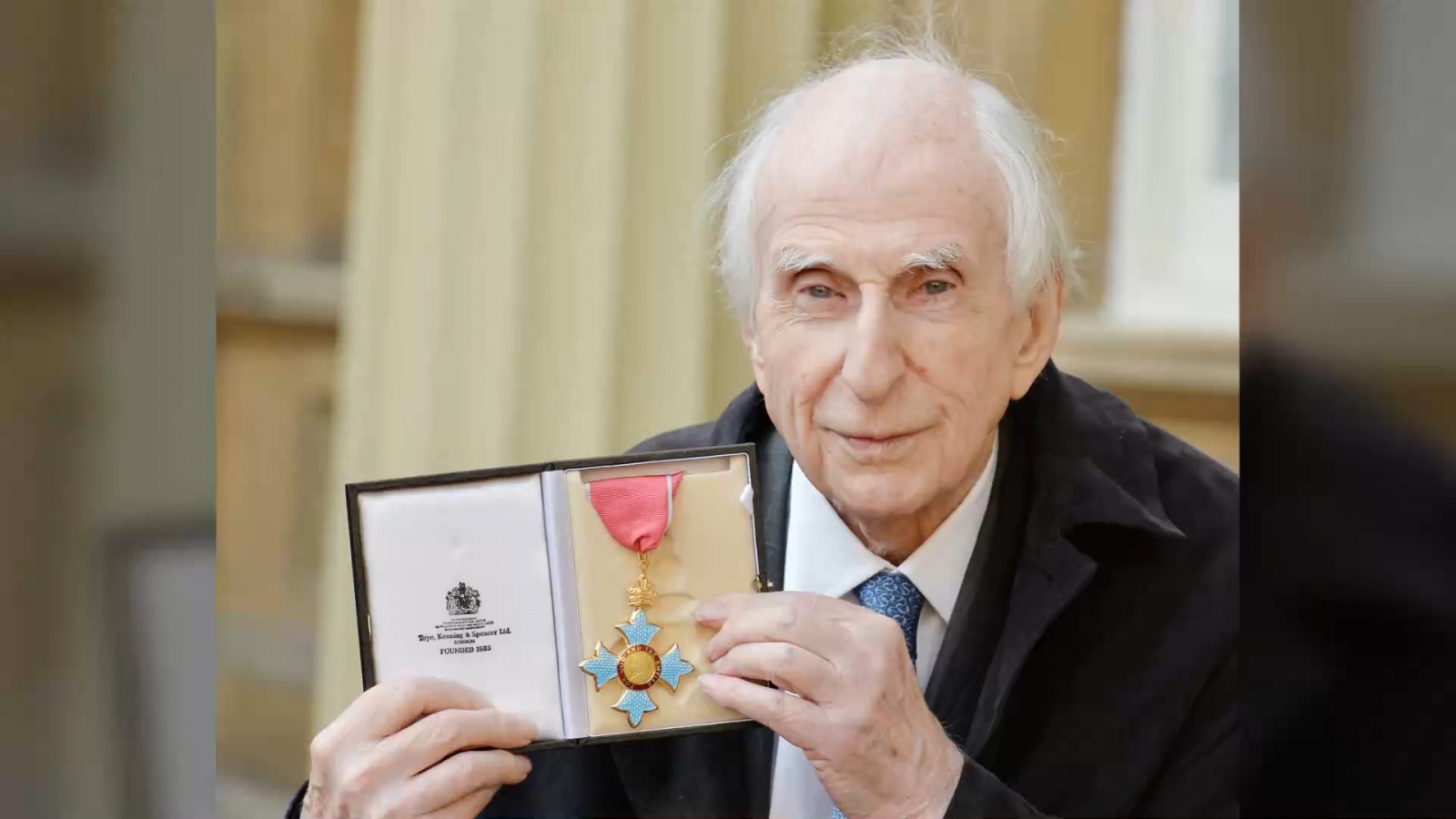 paddington-bear-creator-michael-bond-dies-aged-91