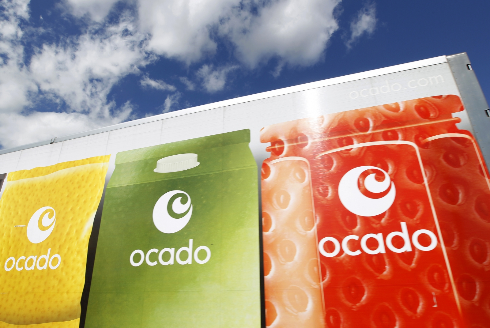 Ocado tests driveless delivery van