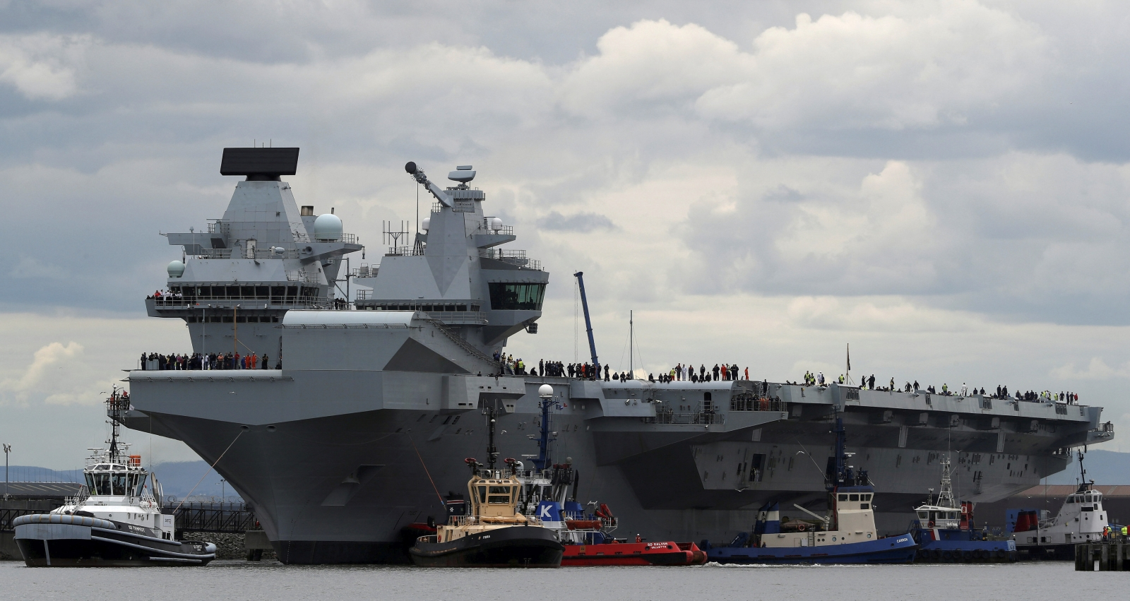 HMS Queen Elizabeth and Russia
