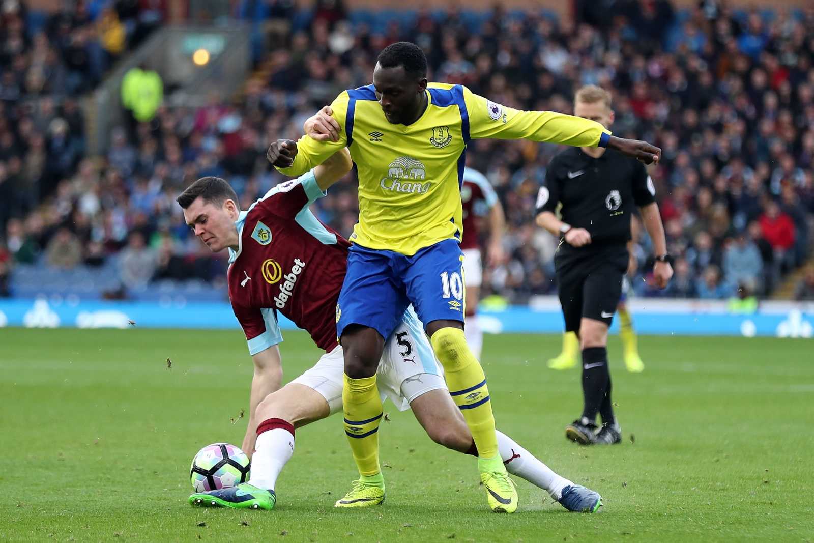 Everton target Michael Keane not due back for Burnley training?