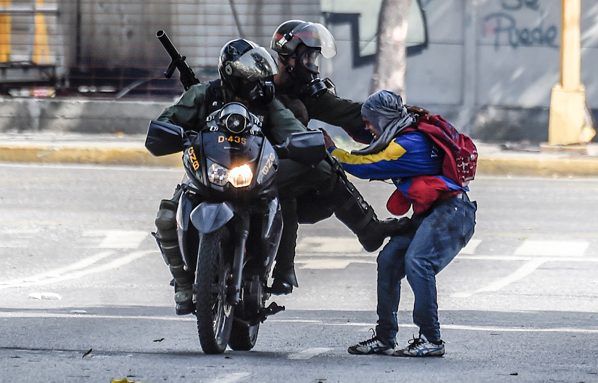 Caracas venezuela protests national guard