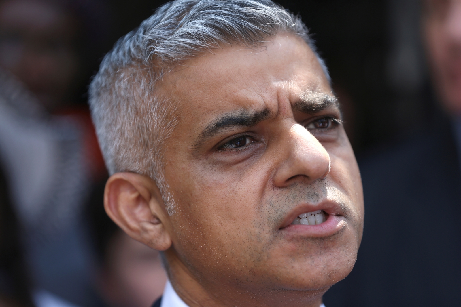 Sadiq Khan tells London: Blame Uber for losing its licence ... Sadiq Khan