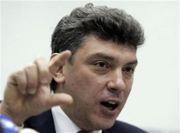 Boris Nemtsov, a leader of the anti-Kremlin, liberal Union of Right Forces party, speaks during a news conference