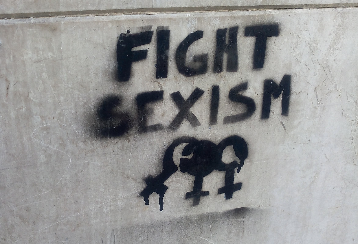 Stop sexism graffiti in Turin