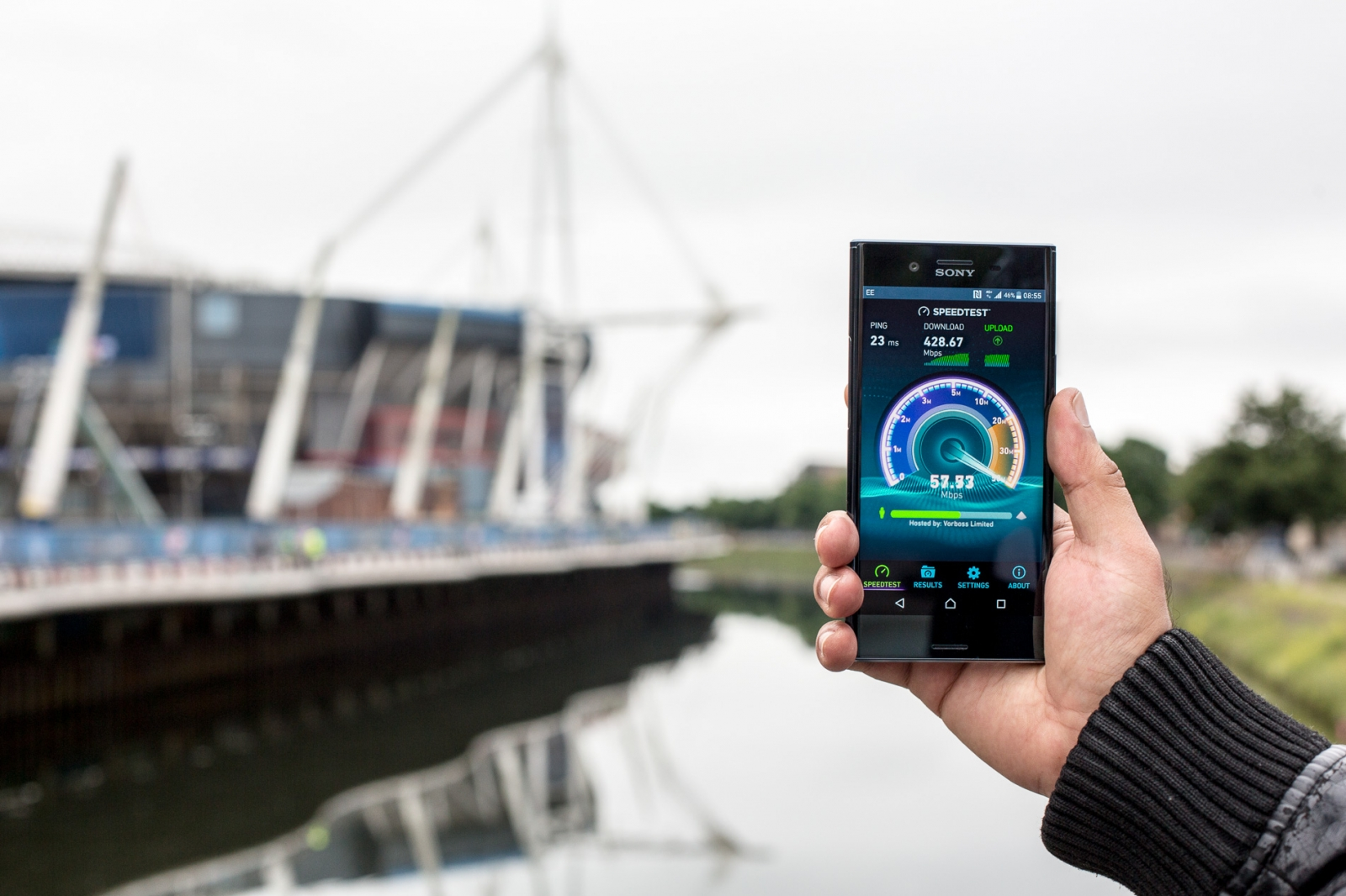 EE achieves 428Mbps data speeds in Cardiff